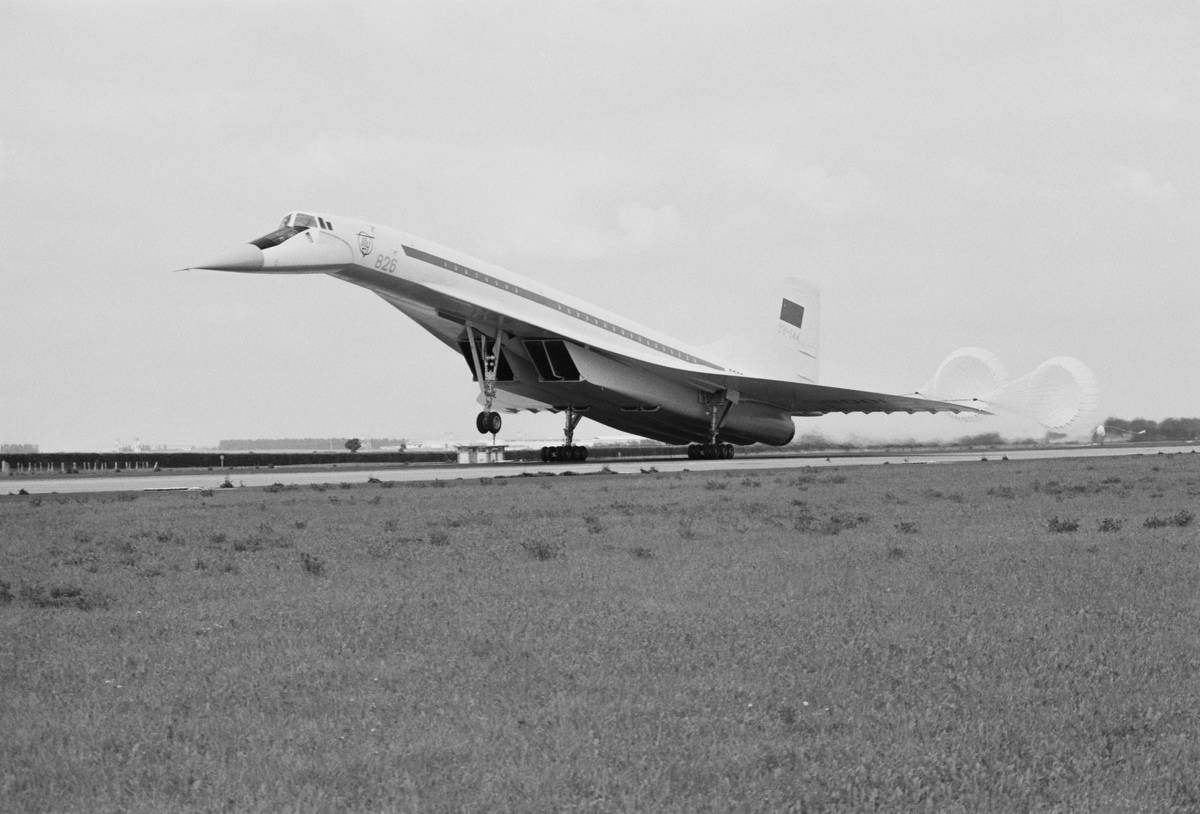 A Soviet Tupolev Tu-144 jet airliner demonstrates its braking parachutes at the Paris Air Show.