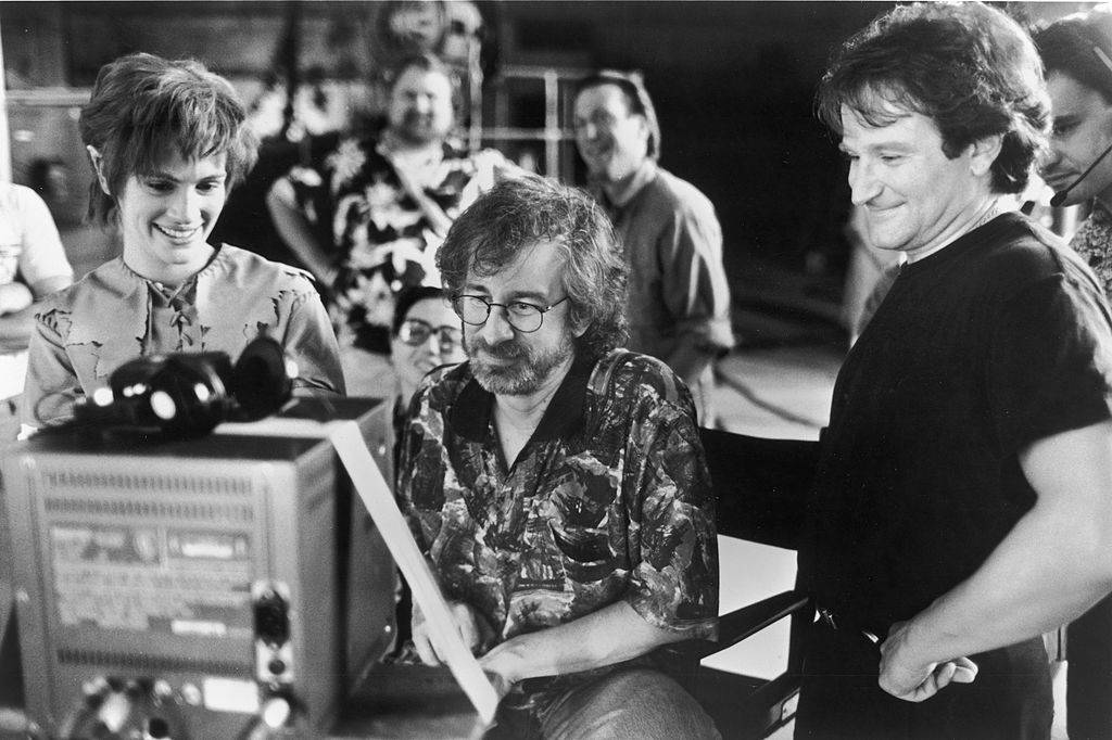 Picture of spielberg and Roberts