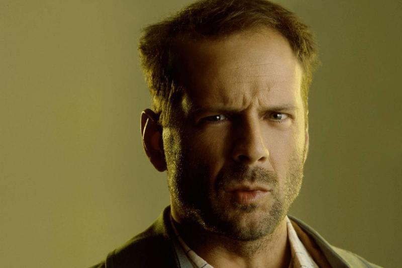 Bruce Willis Green background