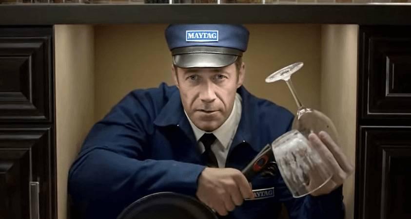 Colin Ferguson As The Maytag Man