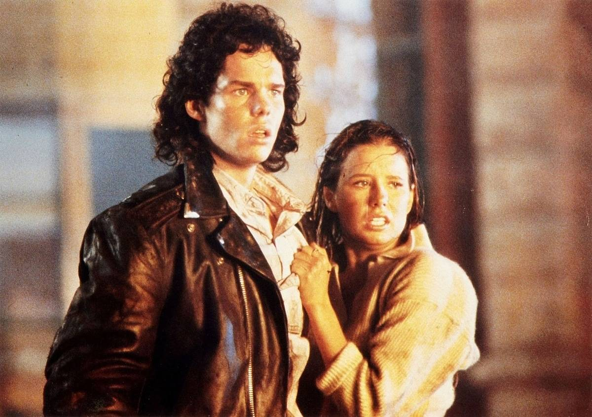 Shawnee Smith and Kevin Dillon in the blob