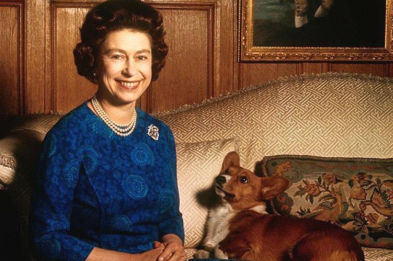 sandringham-norfolk-england-uk-britains-queen-elizabeth-ii-news-photo-1579728627