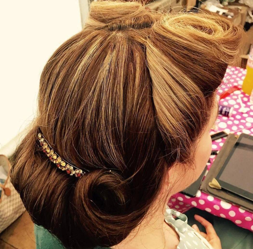 victory-roll-updo
