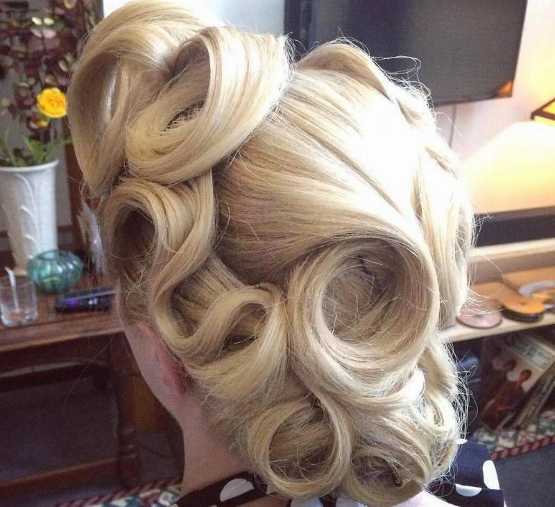 vintage-pin-curls