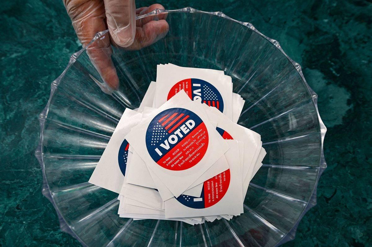 US-POLITICS-VOTE-CALIFORNIA
