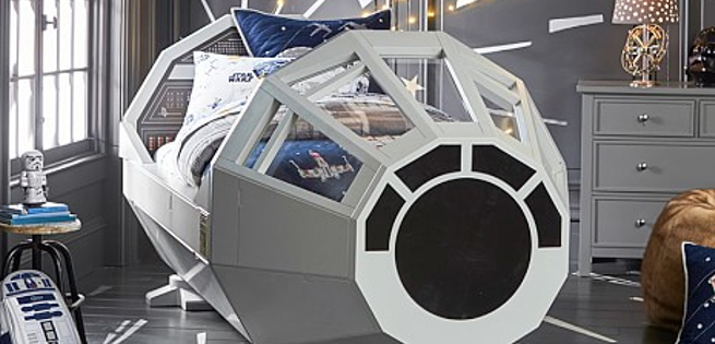 For the kiddies, presenting  Star Wars bed.