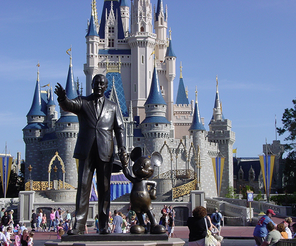 001-disney-the-happiest-place-on-earth--642794.jpg