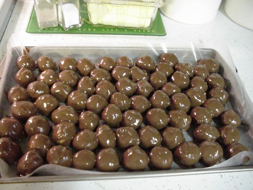 Cannabis Peanut Butter Balls.jpg