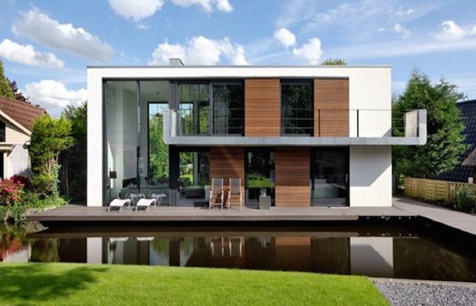 Hybrid House Boat