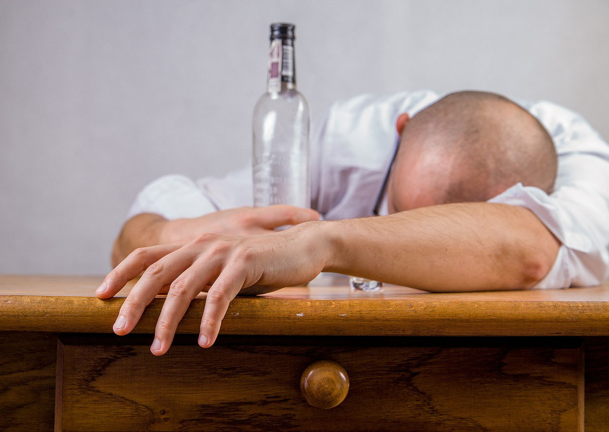 How Does Alcohol Weaken The Heart?