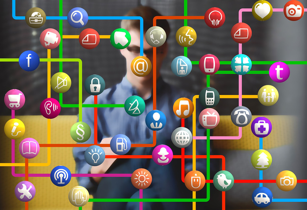 Social Be-Aware: Cyber Monday