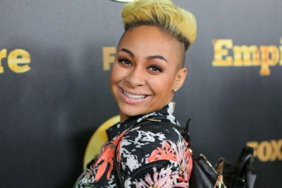 Raven-Symoné and the Entire Family are Going to Canada