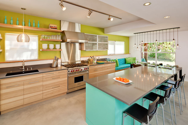 19 Colorful Kitchens.jpg