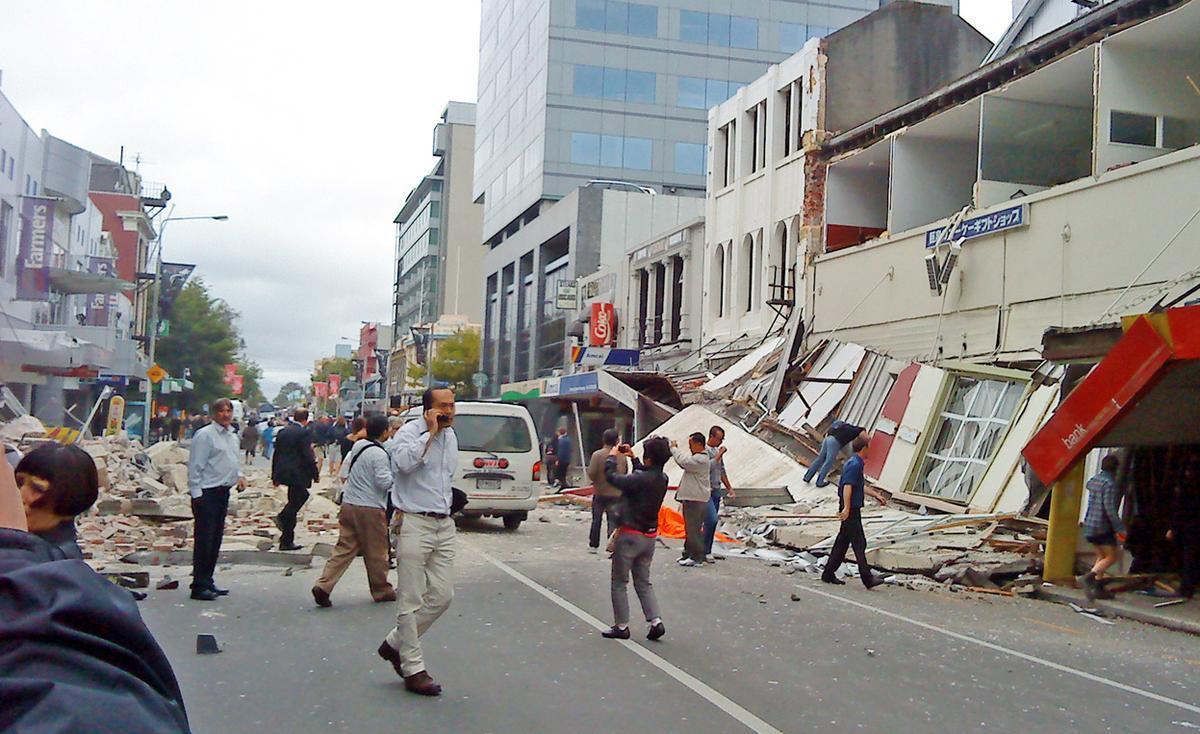 New Zealand: The Earth Quakes under Their Feet