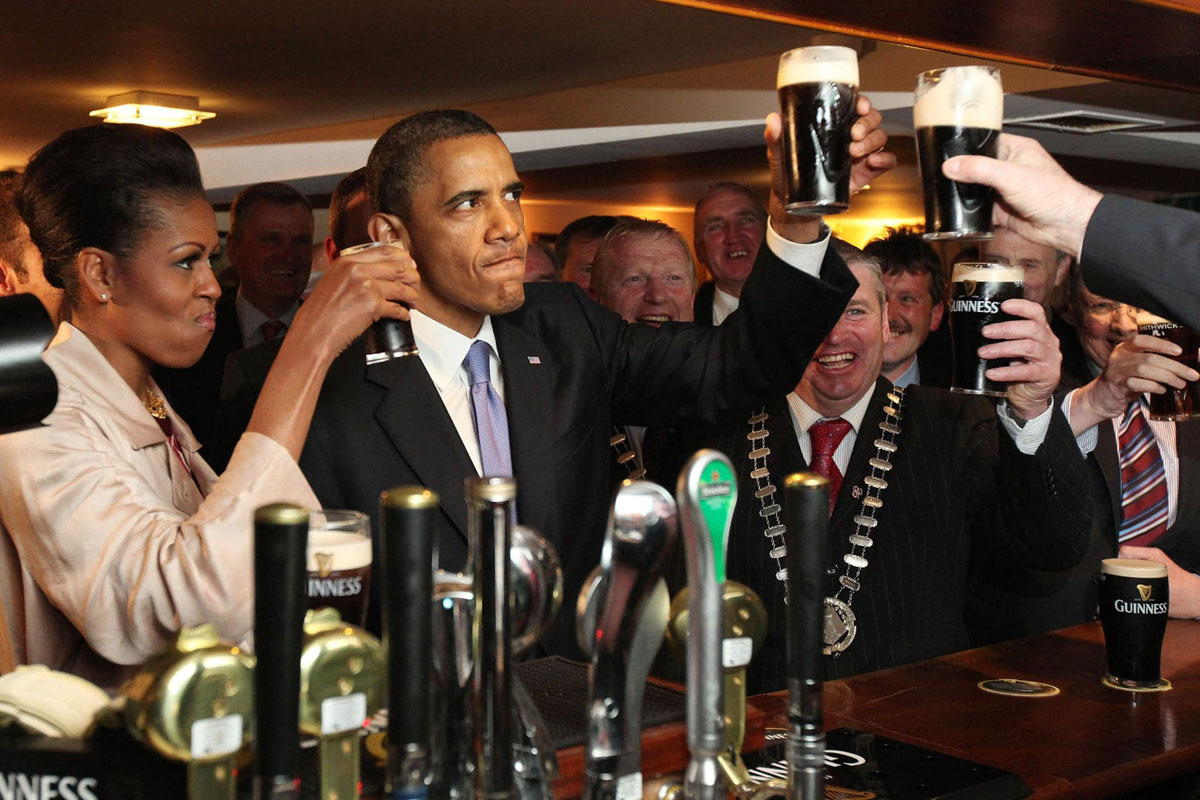 Obama Has A Beer