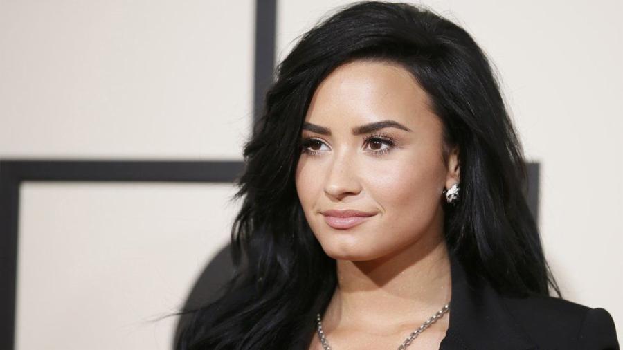 Demi Lovato – Bipolar Disorder, Bulimia, and Addiction