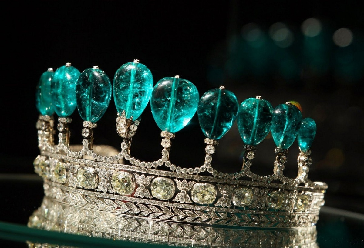 Emerald and Diamond Tiara.jpeg