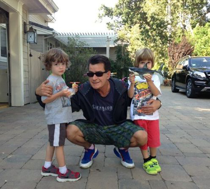 006--charlie-sheen-55-000-a-month-per-baby-m-1163655.jpg