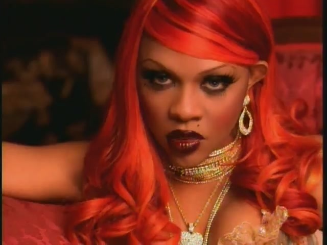 2001 – Lil' Kim Gets Her First Number One Single