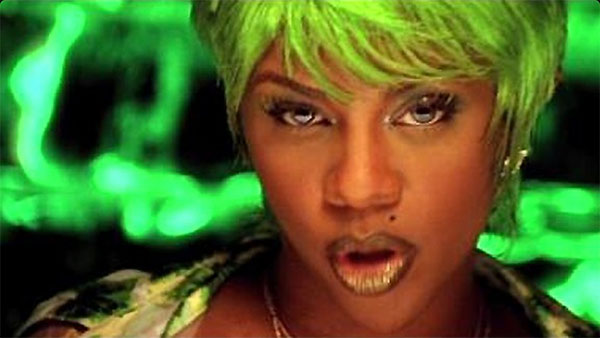 1996 – Lil' Kim Releases Her First Music Video