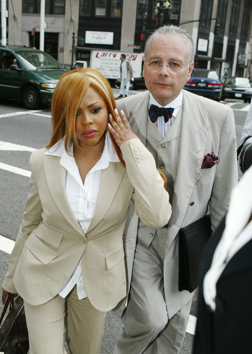 2005 – Lil' Kim Convicted For Perjury
