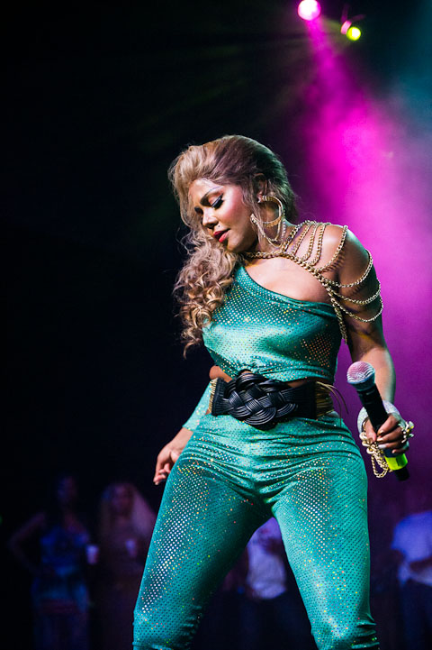 2012 – Lil' Kim Returns With Return of the Queen Tour