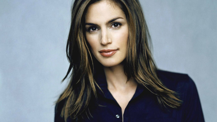 Cindy Crawford Misses the Left Turn and Makes a Right
