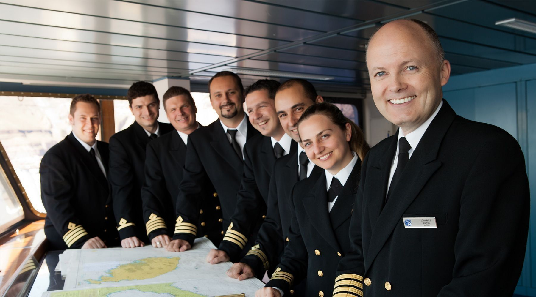 shocking secrets of what it 39 s like to be a cruise ship