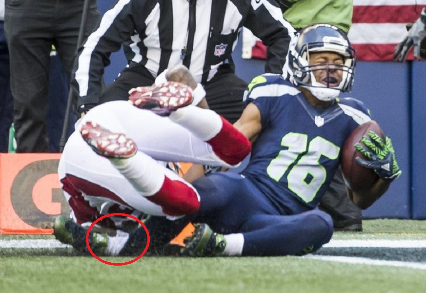 Lockett's Ankle Gets Caught