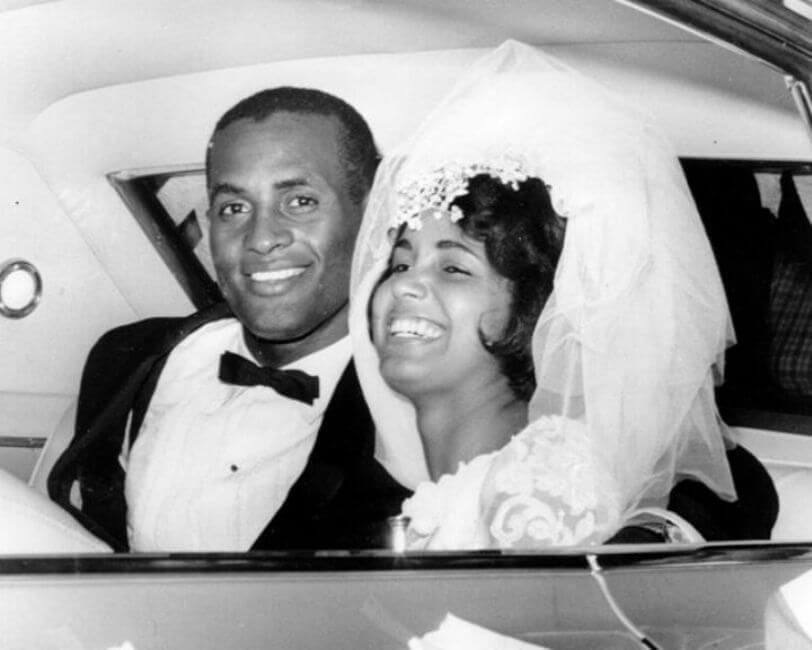 Roberto Clemente Ties the Knot