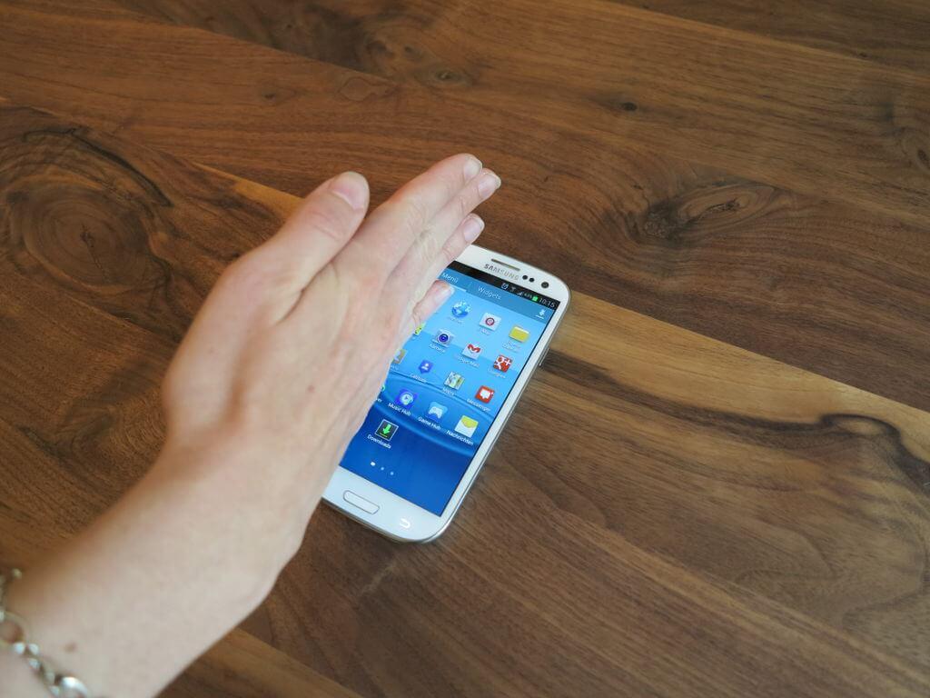 Palm Motion Lets You Take Screenshots Easily
