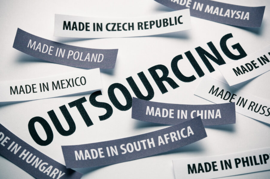 011-outsource-sparingly-2937664.jpg