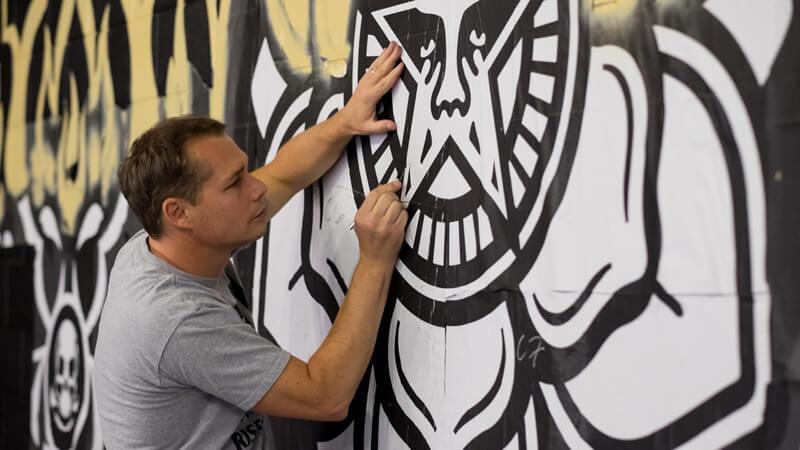 shepard-fairey-street-artist.jpg