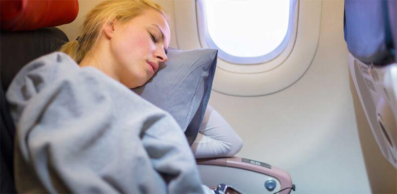 airline-blanket-girl.jpg