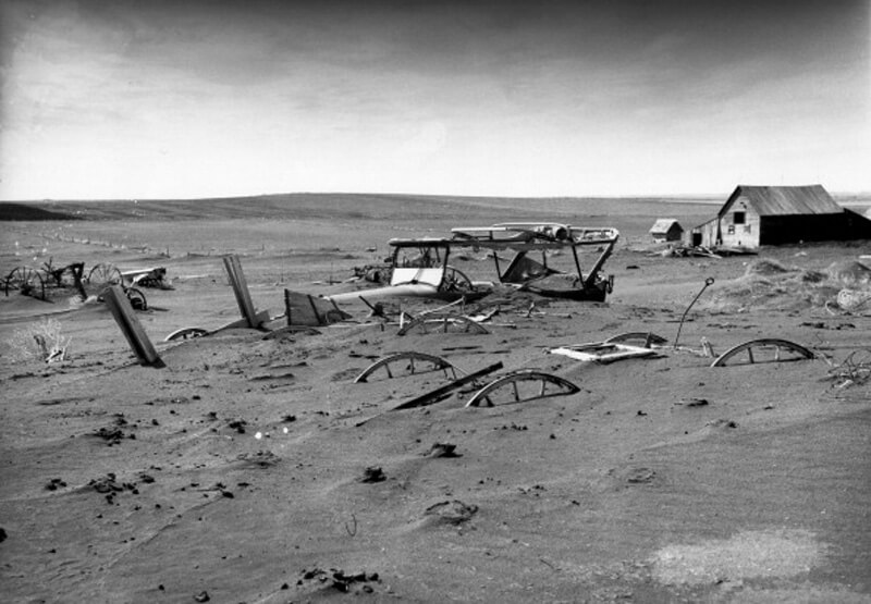 Buried-Machinery-During-Dust-Bowl.jpg