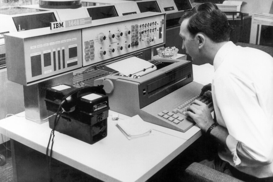ibm recording data in 1965.jpg