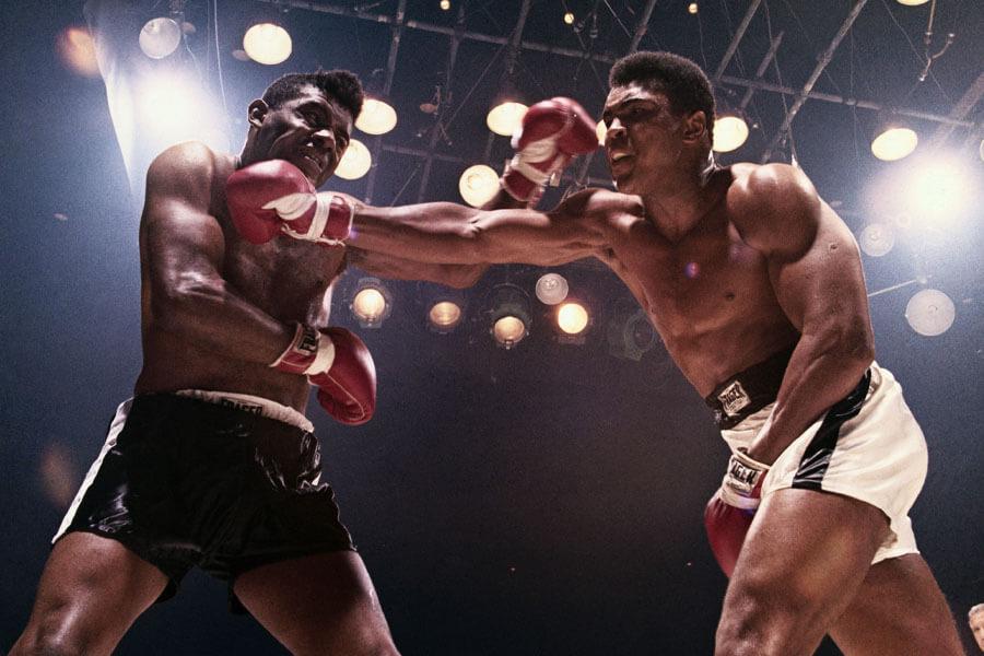 ali fights patterson.jpg