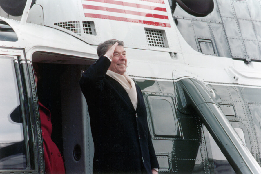 reagan leaves white house.jpg