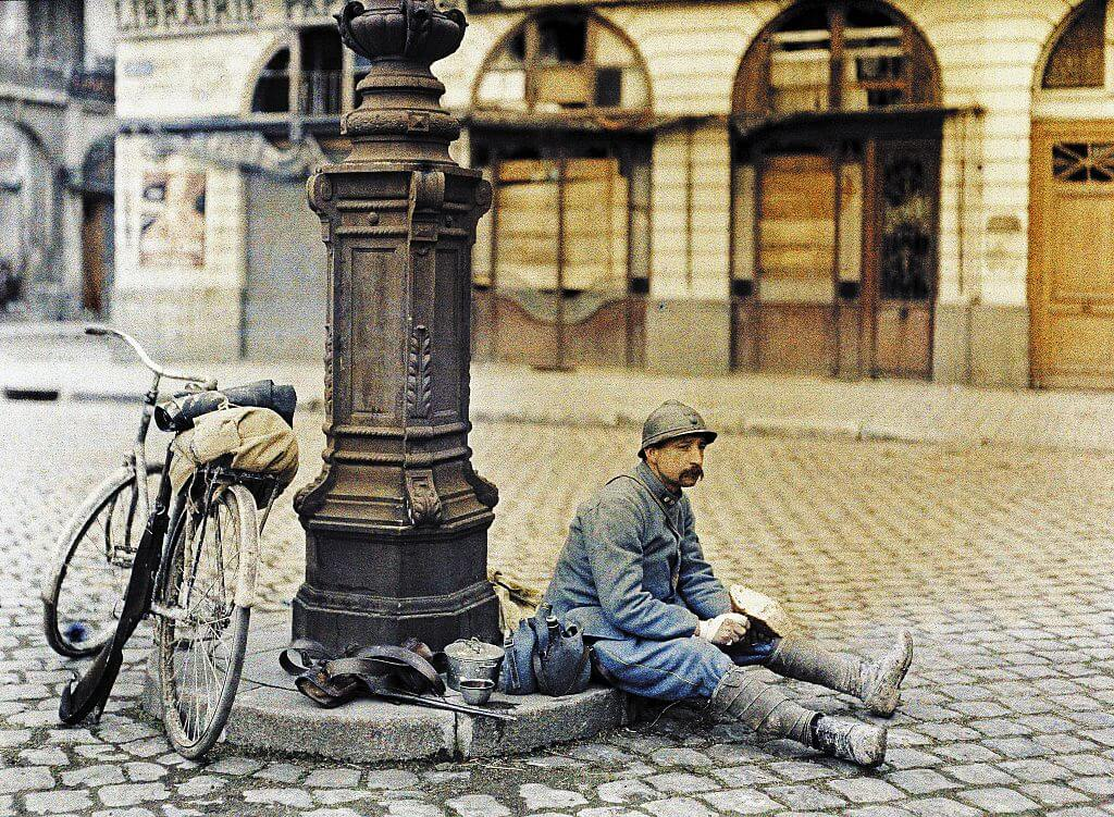 French Soldier in Square