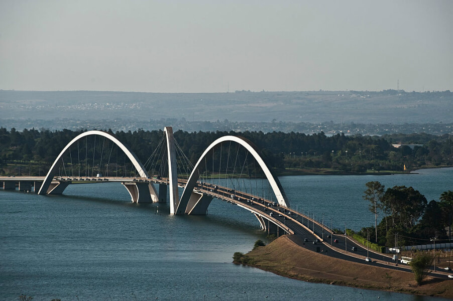 Juscelino Kubitschek Bridge.jpg