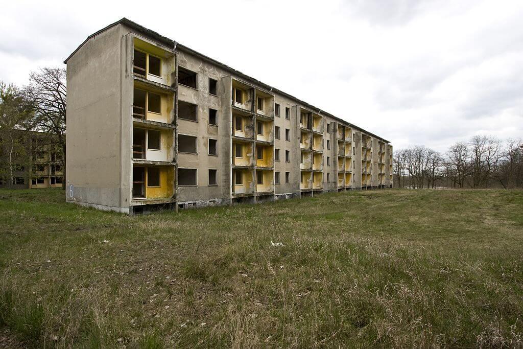 atheletehousing.jpg