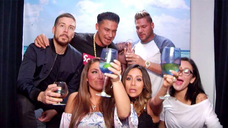 jersey shore drinking.jpg